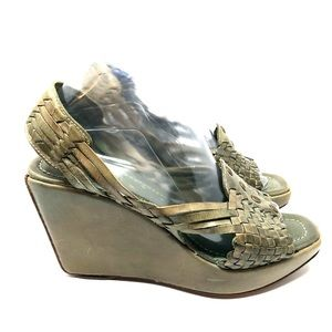 Frye Distressed Wedge Sandals Green Size 8.5 RARE!